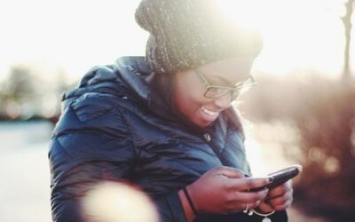 5 Ways Texting Creates Connection During Crisis